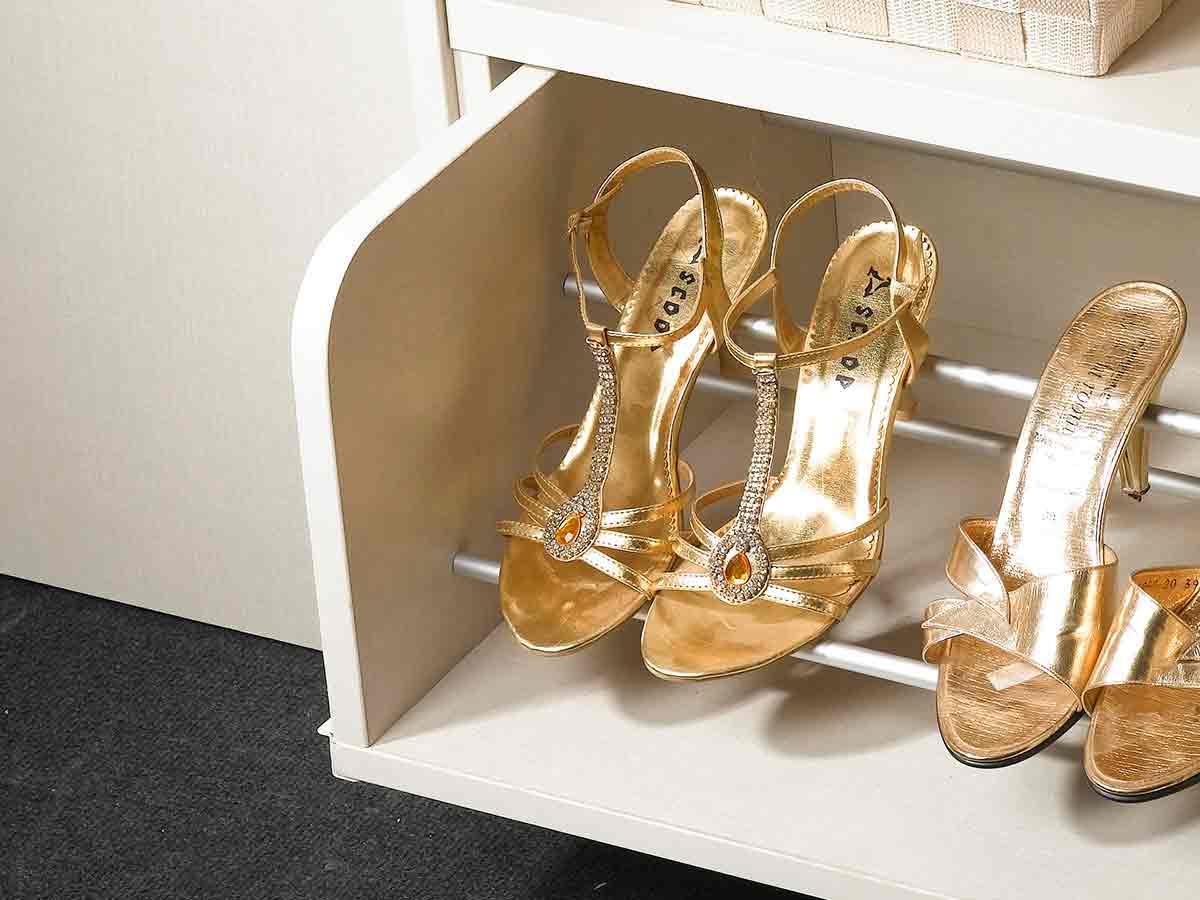 ארון נעליים לבן