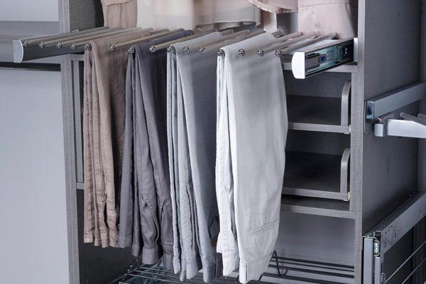 מתקן מכנסיים – ישראל כהן